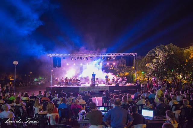 Ηγουμενίτσα: Μάγεψε τους θεατές η συναυλία της Φιλαρμονικής (+ΒΙΝΤΕΟ)