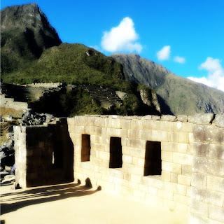 Templo de las Tres Ventanas e Apu Machu Picchu