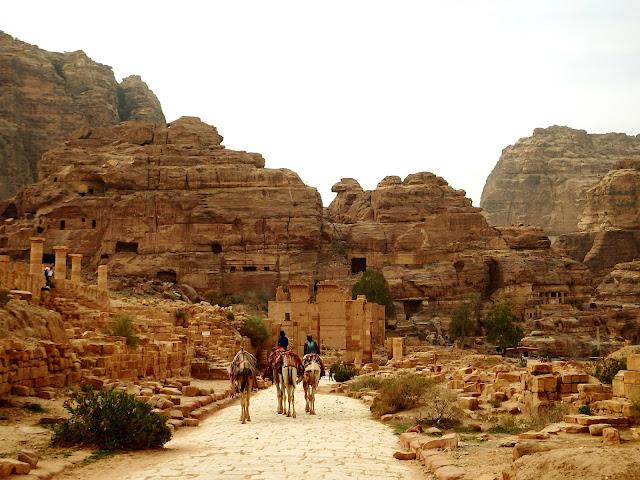 viajar jordania pareja