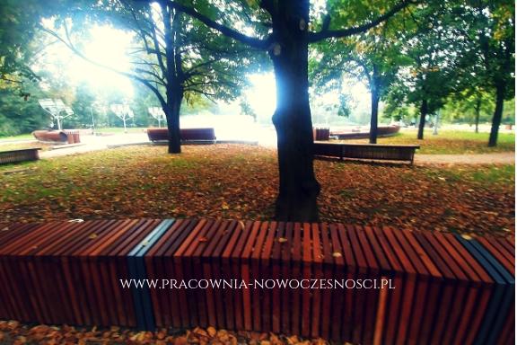 drewniane ławki