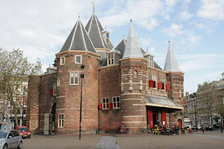 DE WAAG (THE WEIGH HOUSE)