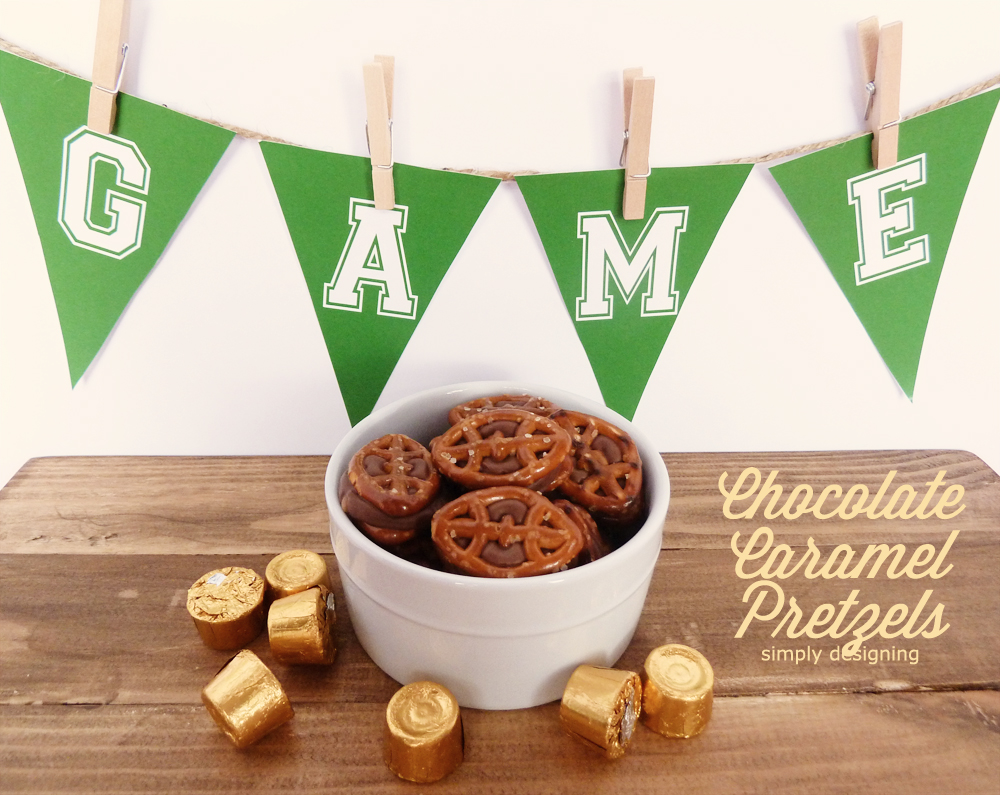 Chocolate Caramel Pretzels: Game Day Style with FREE printable | #recipe #football #gameday #chocolate #printable