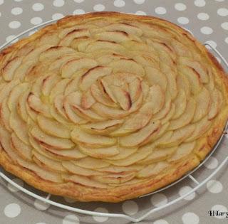 https://danslacuisinedhilary.blogspot.com/2013/11/tarte-fine-aux-pommes-thin-apple-pie.html
