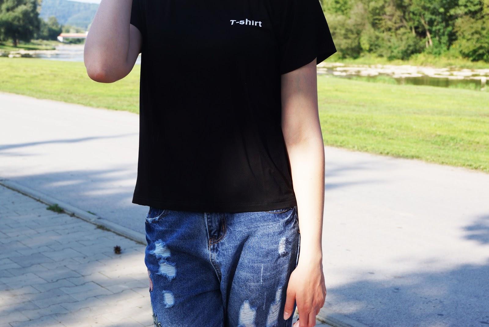black_tshirt