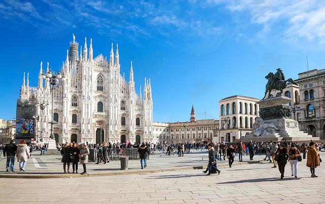 Piazza Duomo e Catedral em Milão