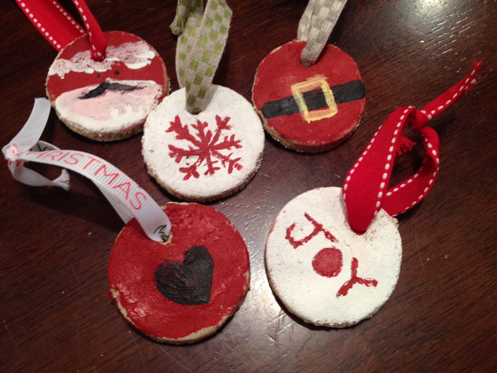 Salt dough ornaments and gift tags crafthubs two it yourself salt dough recipes for ornaments solutioingenieria Choice Image