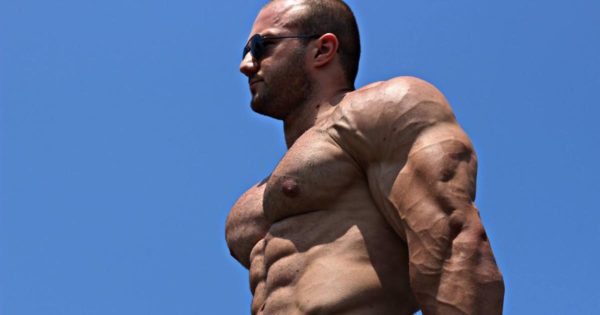 Muscle Lover Croatian Bodybuilder Pero Tomas Part 1