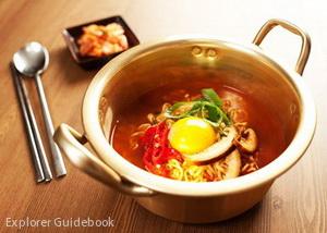 makanan khas korea Ramyun korean instan noodle