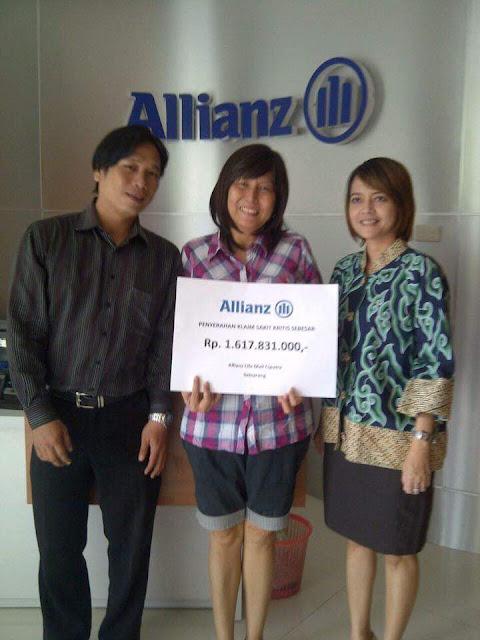 bukti penyerahan pembayaran klaim asuransi jiwa allian life indonesia