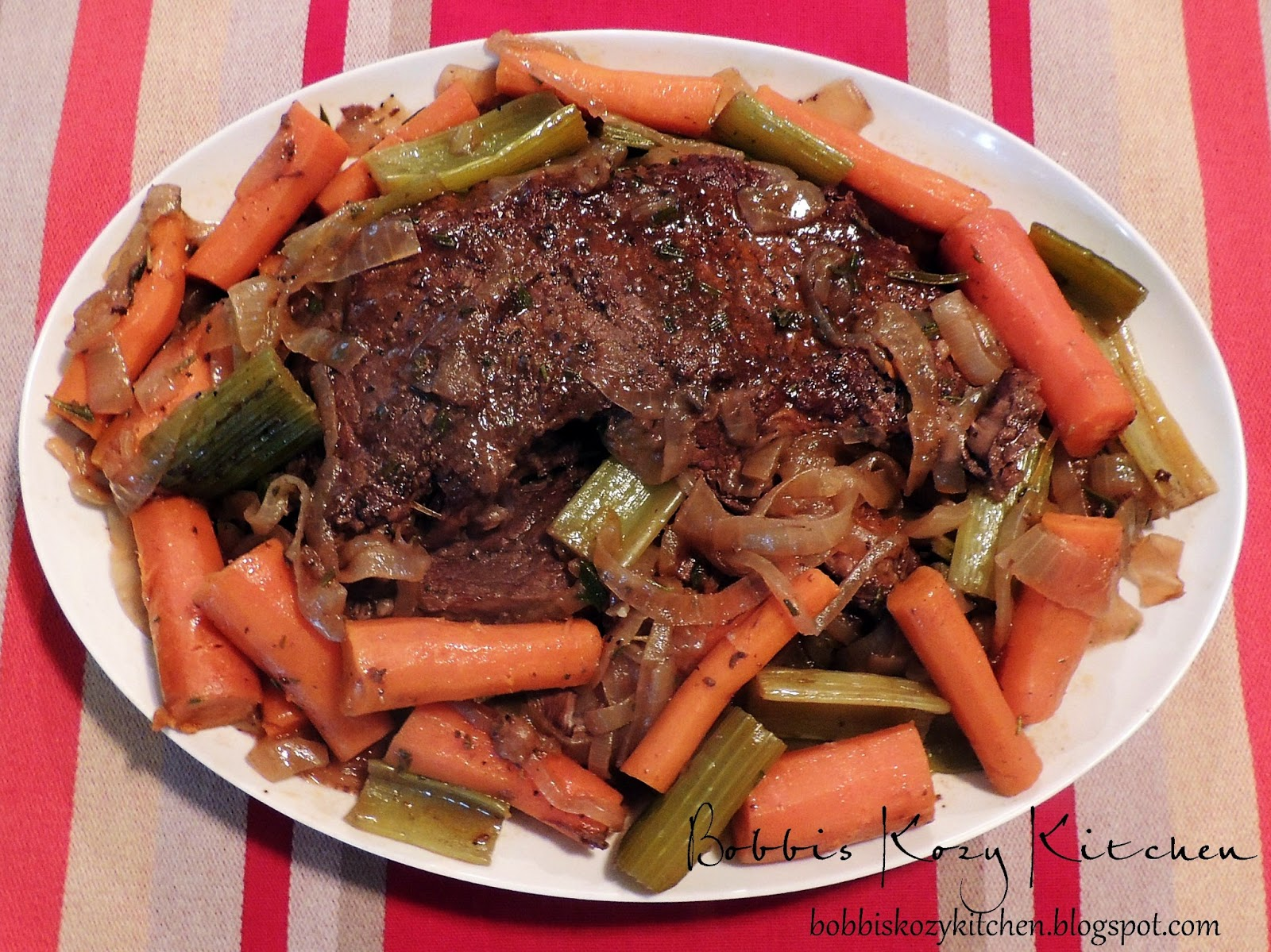 Slow Cooker Pot Roast With Red Wine Balsamic Gravy Bobbi S Kozy