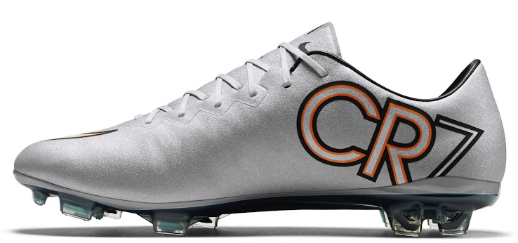 official photos 10e04 c964f Nike Mercurial Vapor X CR7 Silverware Boots Released - Footy ...