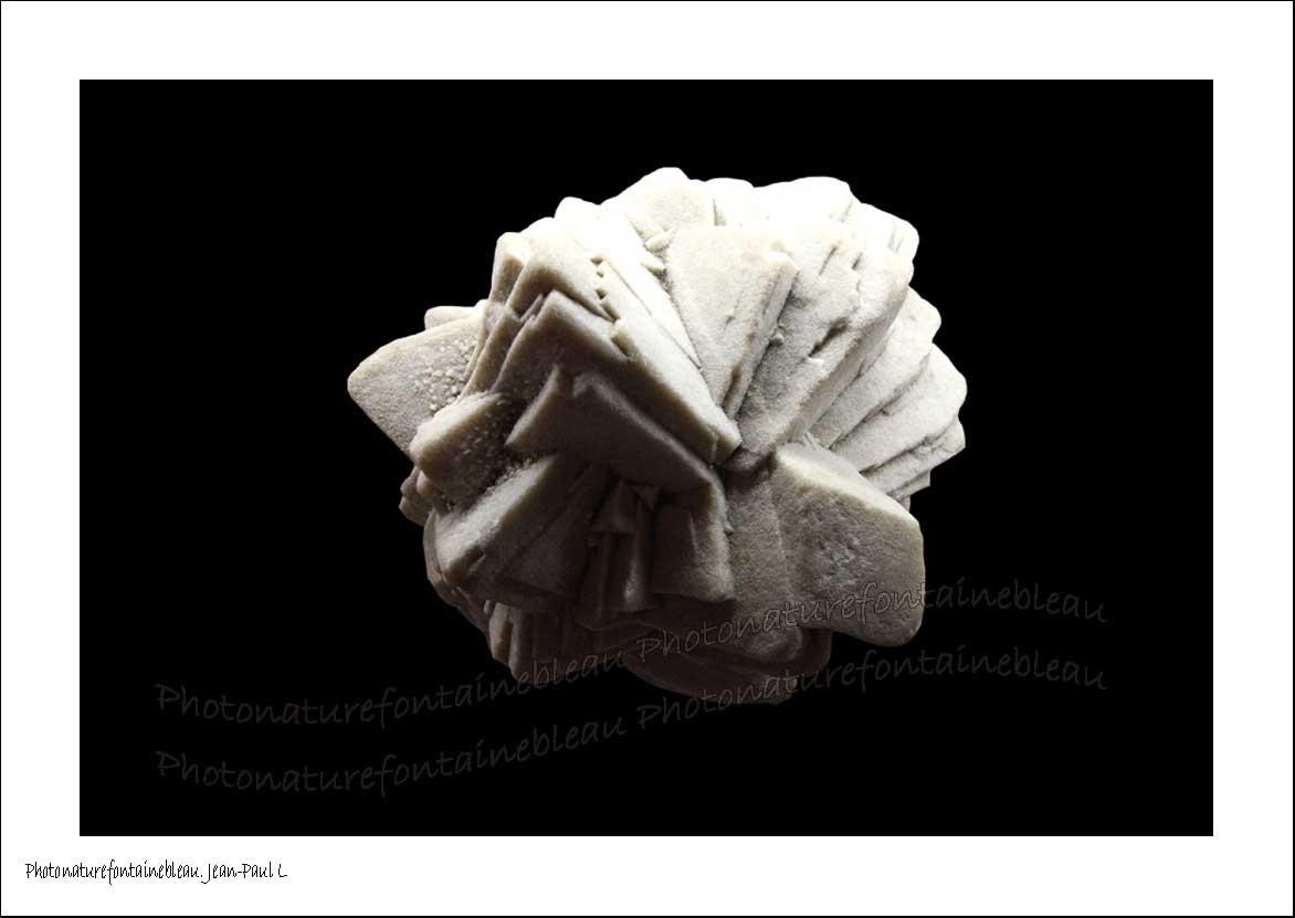 calcite datant fait Phoebe Tonkin datant Angus McLaren