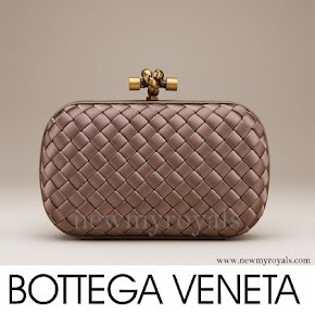Queen Maxima carried Bottega Veneta Knot Clutch