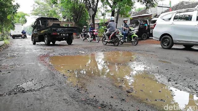 Jalan di Kota Pasuruan Rusak, Perbaikan Tak Kunjung Terealisasi