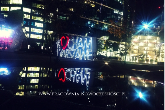 plac europejski nocą Warszawa