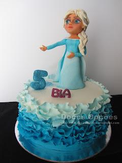 Bolo com a princesa Elsa para o aniversário da Bia