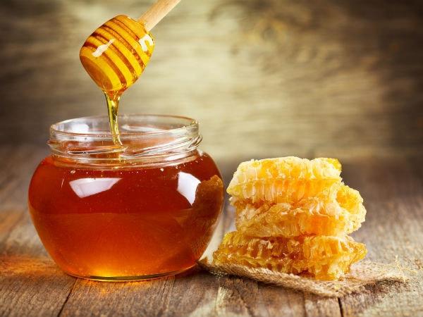 Tìm hiểu việc nên hay không dùng hỗn hợp đường, mật ong và nghệ đắp vết thương