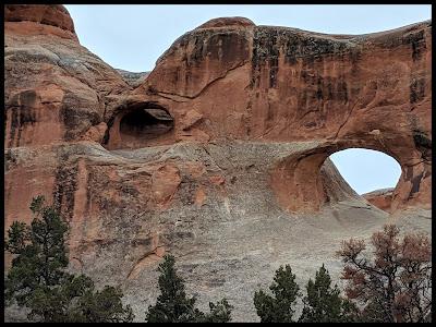 Tunnel Arch - Devil's Garden Primitive  Loop Trail