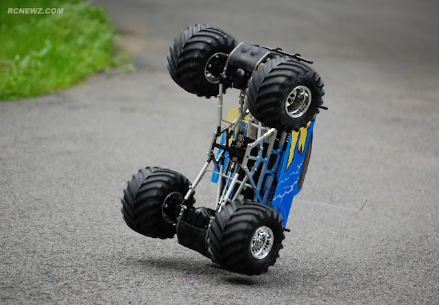 Tamiya TXT-1 huge wheelie