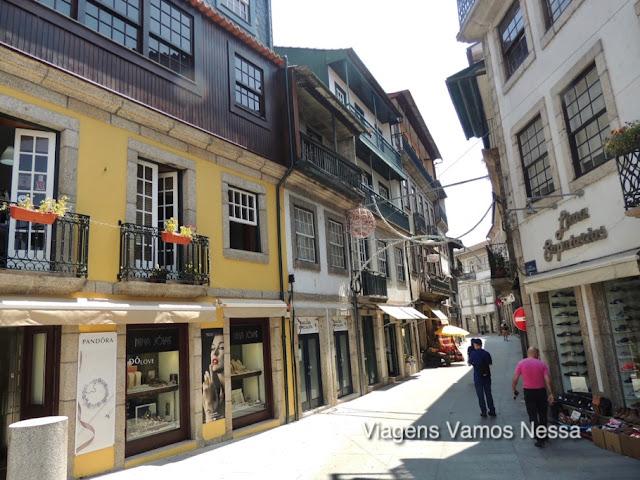 Amarante, fundada pelo rei D. João III, em 1540 tem como padroeiro o Santo São Gonçalo.