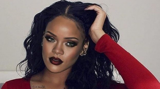 Rihanna A Million Miles Away MP3, Video & Lyrics