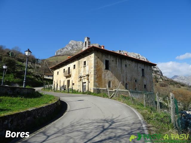 Ruta a la Pica de Peñamellera: Palacio Orejuz en Bores