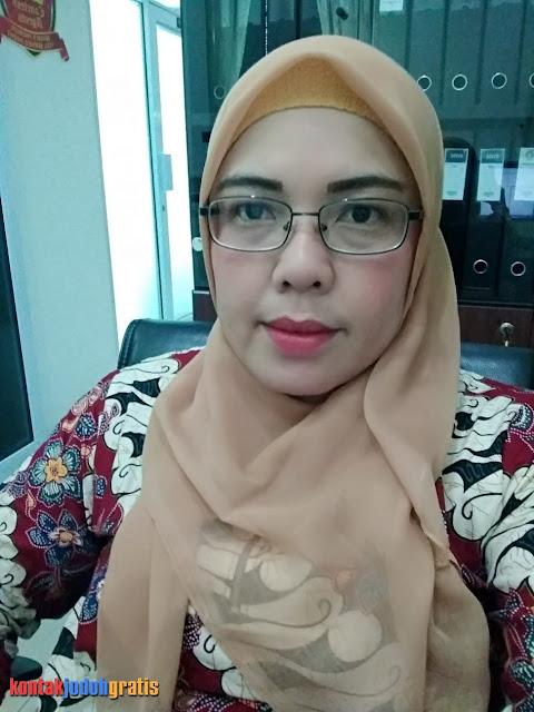 Ida Janda Cantik Pekerja Keras Cari Suami Bertanggung Jawab