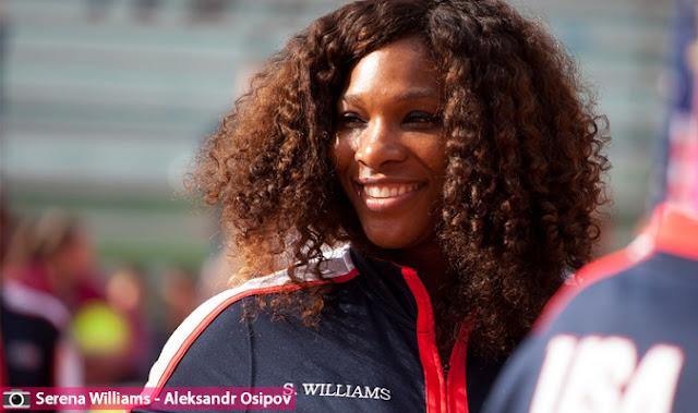 سيرينا ويليامز تاخذ طفلتها  أليكسيس لمباراة التنس