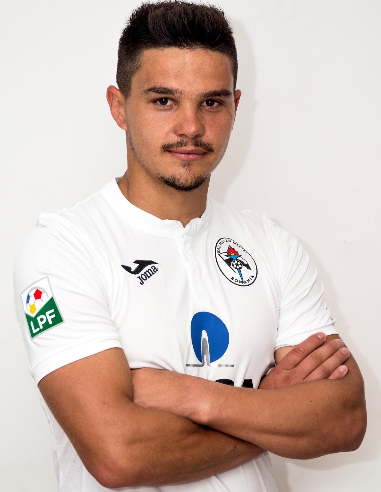 Încă un fotbalist de la FCSB a fost trimis la Academica ...  |Alexandru Buziuc