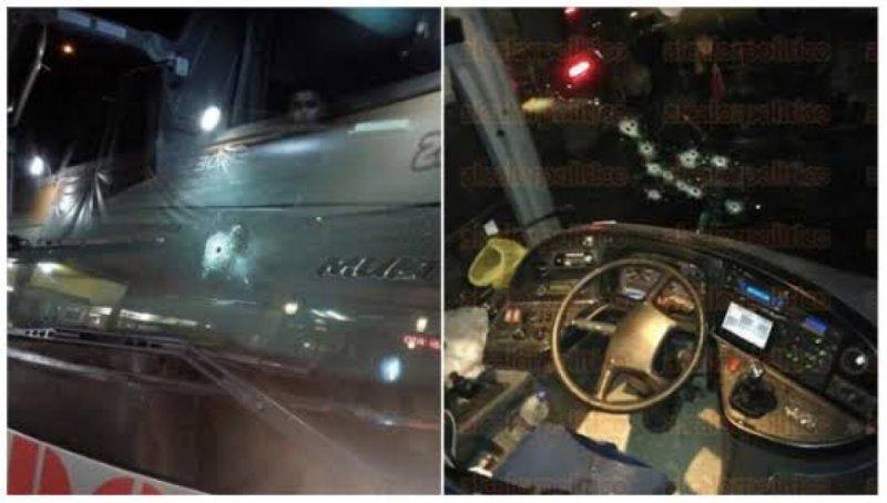 Chofer de Autobus salva a sus pasajeros de levanton en falso reten de Sicarios