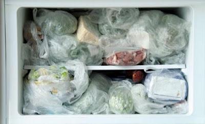 ΠΡΟΣΟΧΗ: Αν βάζετε αυτά τα 8 τρόφιμα στην κατάψυξη σταματήστε ΤΩΡΑ
