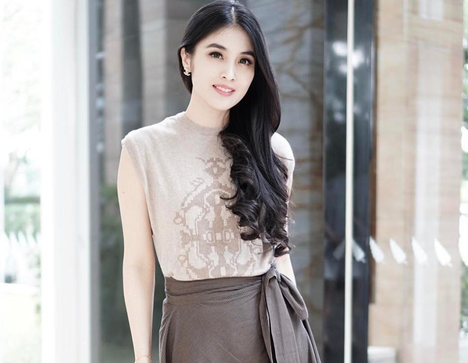 Sandra Dewi Pemeran Ibu Peri