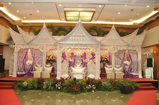Dekorasi Pernikahan Adat