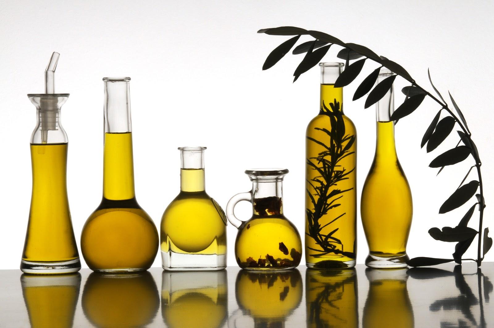 5 des meilleures huiles v g tales pour cheveux et o les trouver abidjan nappy diary. Black Bedroom Furniture Sets. Home Design Ideas
