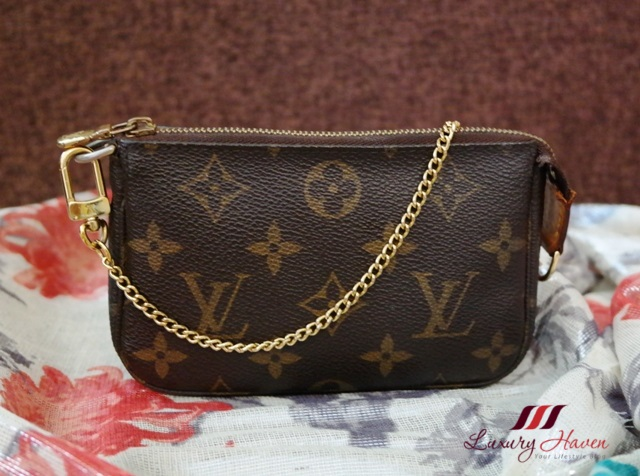 louis vuitton monogram mini accessories pochette lv pouch