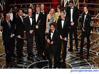 Film Birdman Memenangkan Penghargaan Oscar 2015