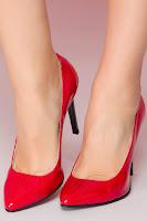 Pantofi rosii din piele lacuita si toc stiletto •