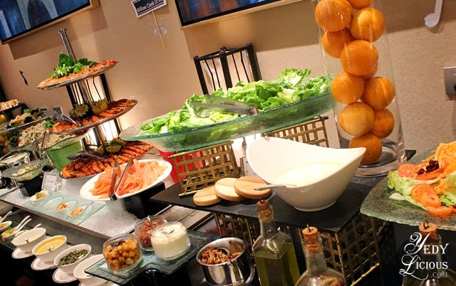 Spread at Oakroom Restaurant / Jazzy Sunday Brunch Buffet