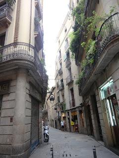 Gasse in Barcelonas Altstadt