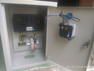 PANEL AUTO BATTERY CHARGER