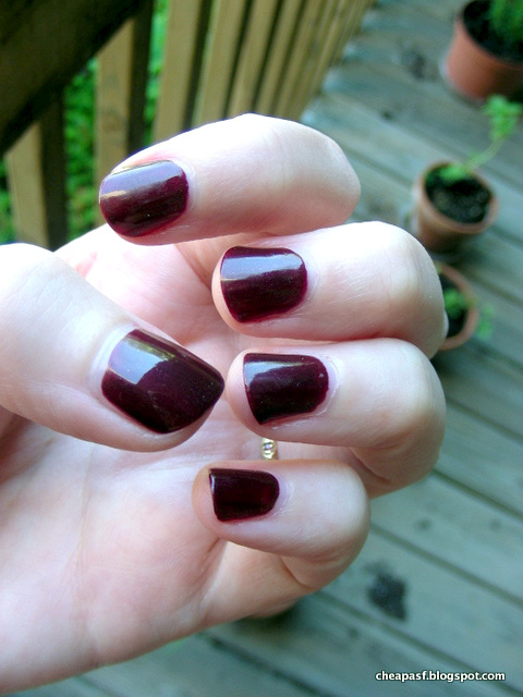 Chanel Le Vernis in Vamp