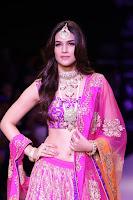Kriti Sanon Sizzling Stills HeyAndhra.com
