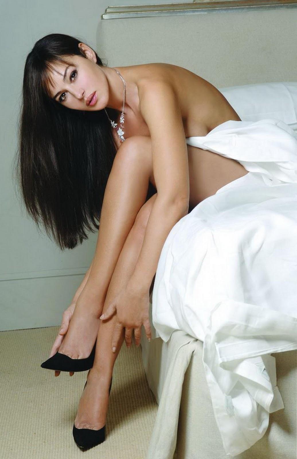 Monica Bellucci Monica Bellucci Legs-6217