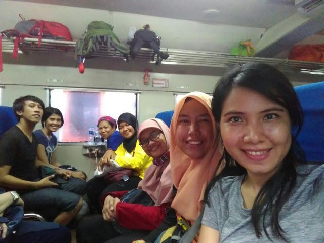 Kereta Jakarta _ Purwakarta