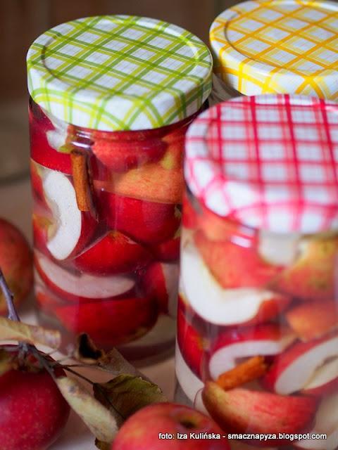 kompot jablkowy, sloiki na przetwory, sloiki twist off, sloik z zakretka, szklane sloiki, tescoma, della casa, jak sterylizowac sloiki, przygotowanie sloikow