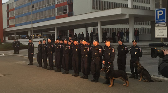 Czech police officers leave for Macedonian-Serbian border