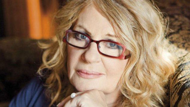 «Ο σύζυγός μου έβλεπε τηλεόραση και πέθανε»: Η Άννα Παναγιωτοπούλου περιγράφει την ξαφνική απώλεια