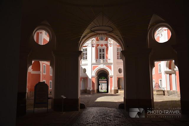 Broumov - czeskie miasteczko z historycznym centrum i Klasztorem Benedyktynów.