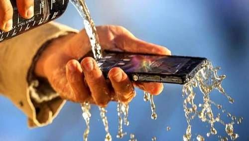perbedaan waterproof dan water resistant