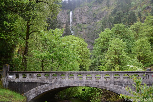 Bridge at the underpass from the highway access to Multnomah Falls